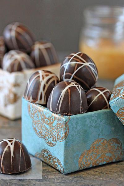 Фото Шоколадно-карамельные трюфели с шампанским