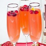 Коктейль с шампанским и клюквой