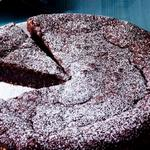 Шоколадно-миндальный торт для романтического вечера