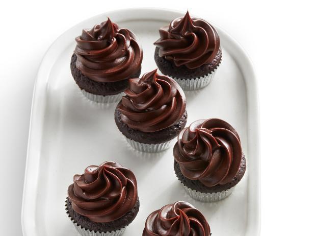 Шоколадные мини-капкейки с кремом ганаш