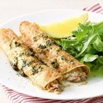 Блинчики с лососем в винном соусе