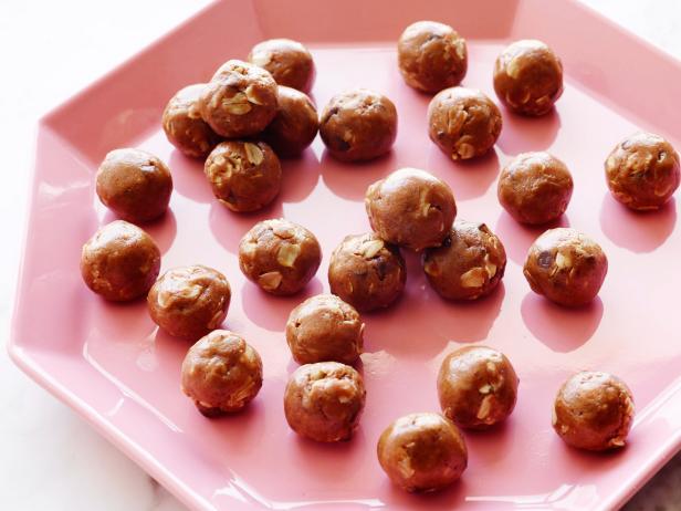 Фото Шоколадно-миндальные конфеты с овсянкой