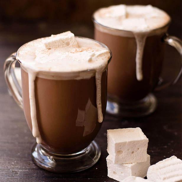 Фото Горячий шоколад с домашним маршмэллоу
