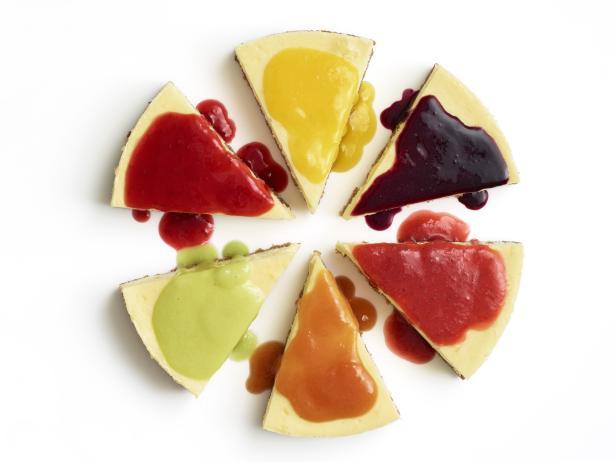Фото Классический чизкейк с домашними фруктовыми соусами