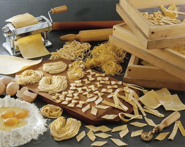7 инструментов для изготовления макарон в домашних условиях