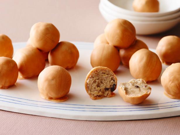 Фото Трюфели из овсяного печенья с изюмом