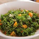 Цитрусовый салат из капусты кале