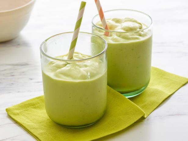Фото Кремовый смузи из авокадо