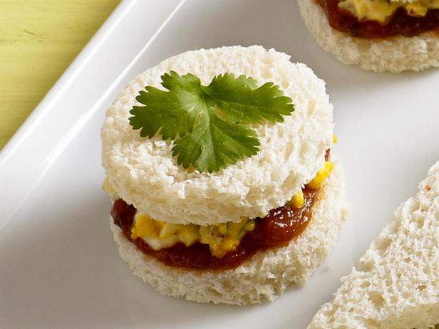 14. Сэндвич с яичным салатом и чатни