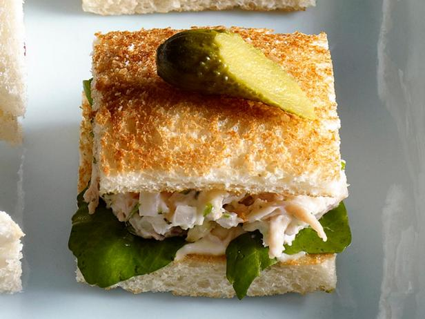 45. Сэндвич с куриным салатом