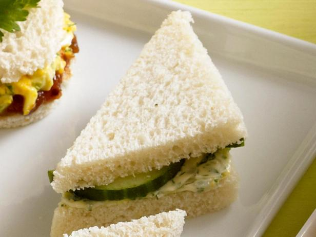 3. Сэндвич с маслом и огурцом