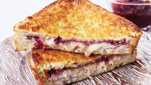 Фото Сэндвич «Монте-Кристо» с индейкой