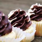 Капкейки сметанные с шоколадным кремом