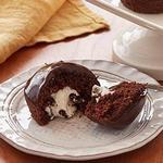Капкейки с кремовой начинкой и шоколадной глазурью