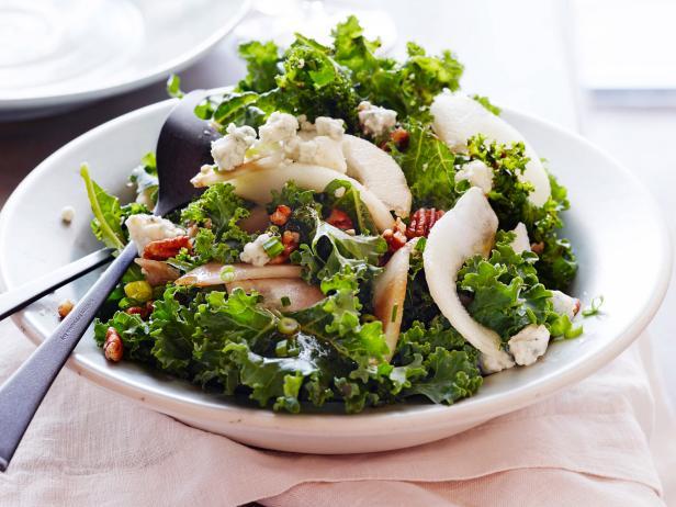Фото Простой салат с кудрявой капустой кейл
