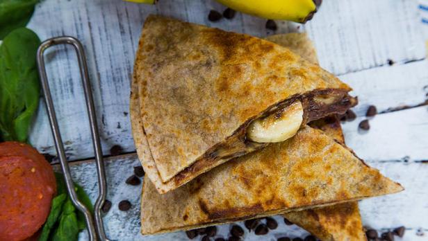 Фото Кесадилья с бананом и шоколадом
