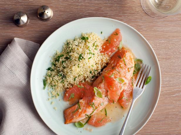 Фото Запеченный лосось с грейпфрутовым соусом