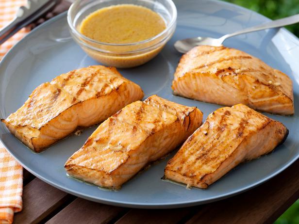Фото Стейк из лосося на гриле по-азиатски