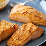 Стейк из лосося на гриле по-азиатски
