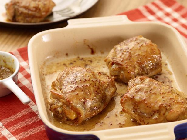 Фото Куриные бёдра в духовке с горчично-кленовой корочкой