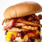 Бургер «Шайенн» с индейкой, луковыми кольцами и соусом барбекю