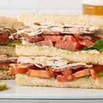 Двойной клаб-сэндвич с индейкой