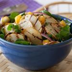 Салат из жаренного на гриле картофеля