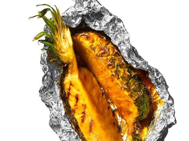Фото Глазированный ананас на гриле в фольге