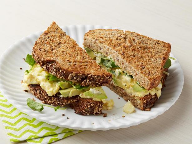 Сэндвич с кресс-салатом и яичным спредом