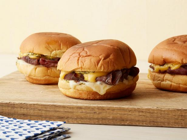 Горячие сэндвичи с говядиной
