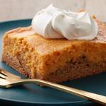 Бисквитный пирог с тыквой и творожным сыром