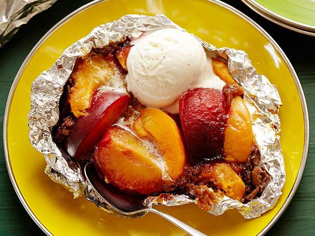 Фото Печёные фрукты в фольге