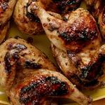 Цыплята-корнишоны на гриле в соусе джерк