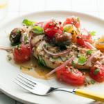 Куриная грудка на гриле с маринованными помидорами черри