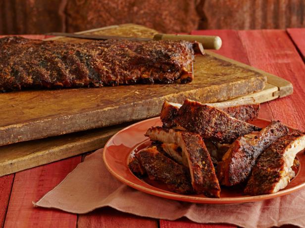Фото Копченые пряные свиные ребра в глазури из хрена и кленового сиропа