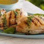 Курица гриль с базиликовым соусом