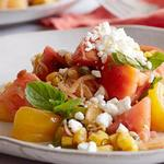 Салат с кукурузой-гриль, помидорами и винегретной заправкой