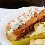 Сэндвичи с мясом омара в стиле штата Мэн