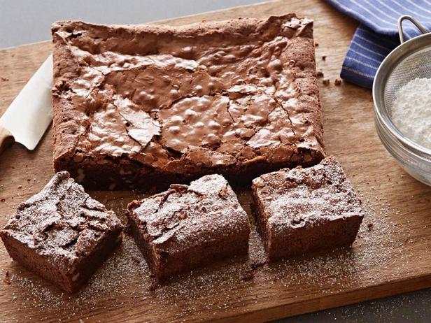 Шоколадно-ореховый брауни с амаретто