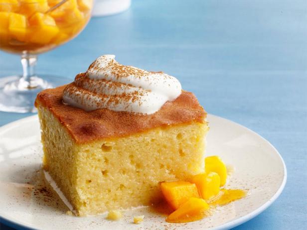 Торт «три молока» (трес лечес) с манго