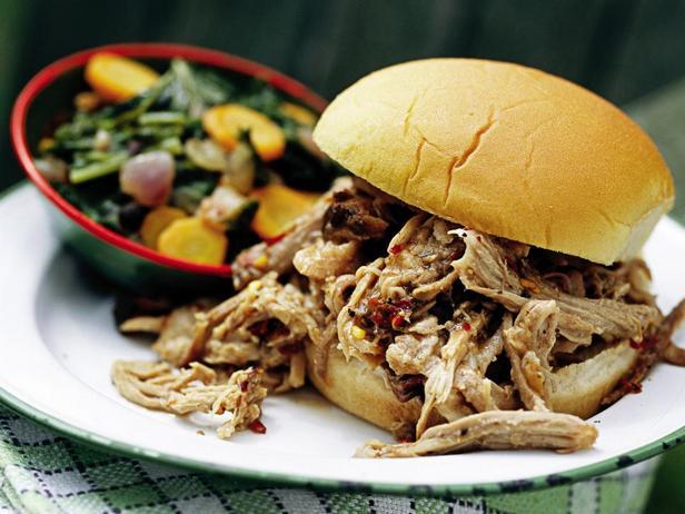 Фото Сэндвичи с копчёной свининой в соусе Северная Каролина