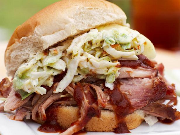 Сэндвичи с рваной копченой свининой