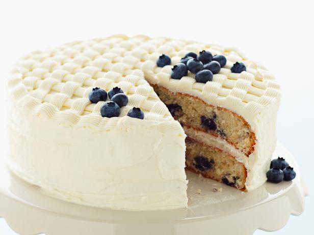 Фото Черничный глазированный торт-плетенка