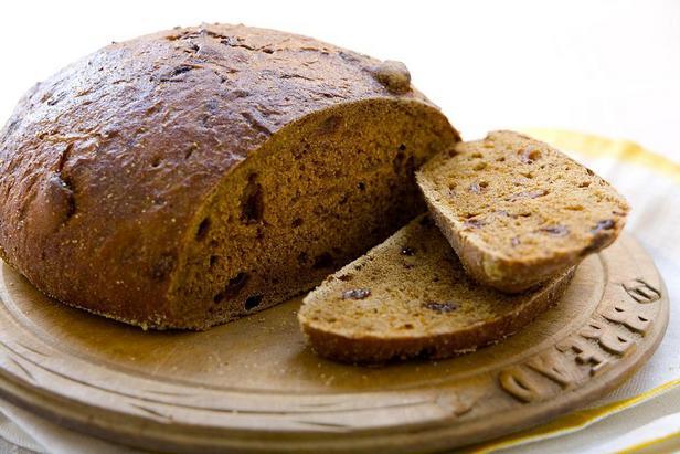 Фото Чёрный хлеб пумперникель по-американски