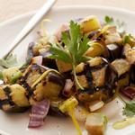 Салат из жаренных на гриле баклажанов