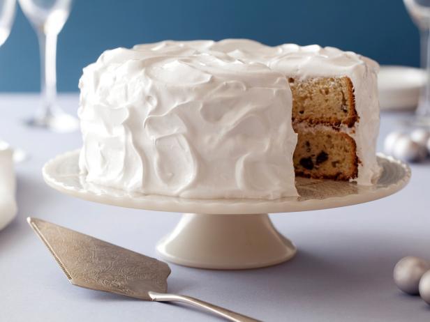 Фото Простой торт на день рождения с глазурью из маршмеллоу