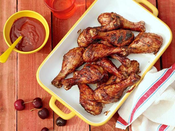 Куриные голени на гриле с вишневым соусом барбекю