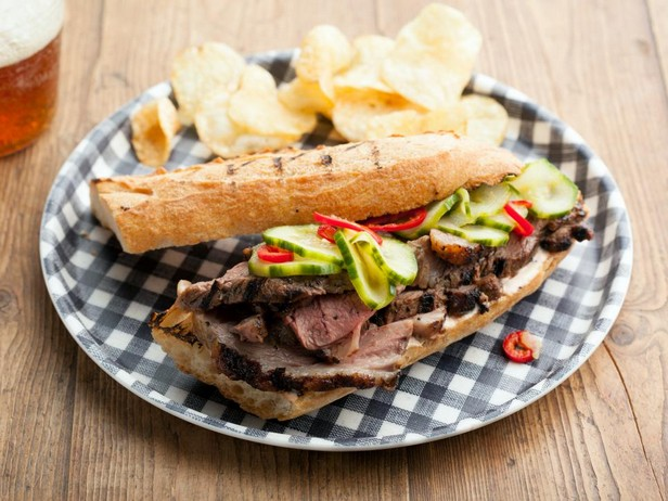 Сэндвичи с мясом ягненка на гриле