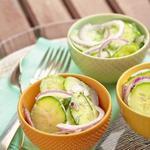 Огуречный салат со сметаной и лабне