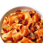 Жареные баклажаны и томатный соус для макарон